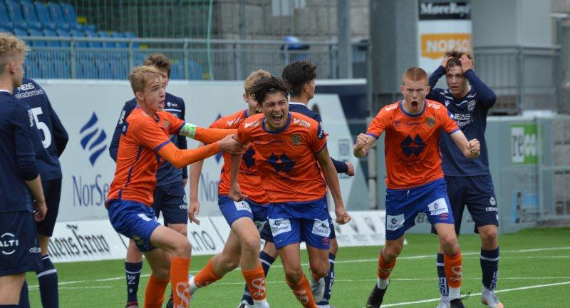Sebastian Bertnsen utlignet til 2-2 borte mot KBK. Foto: Rolf Hansen